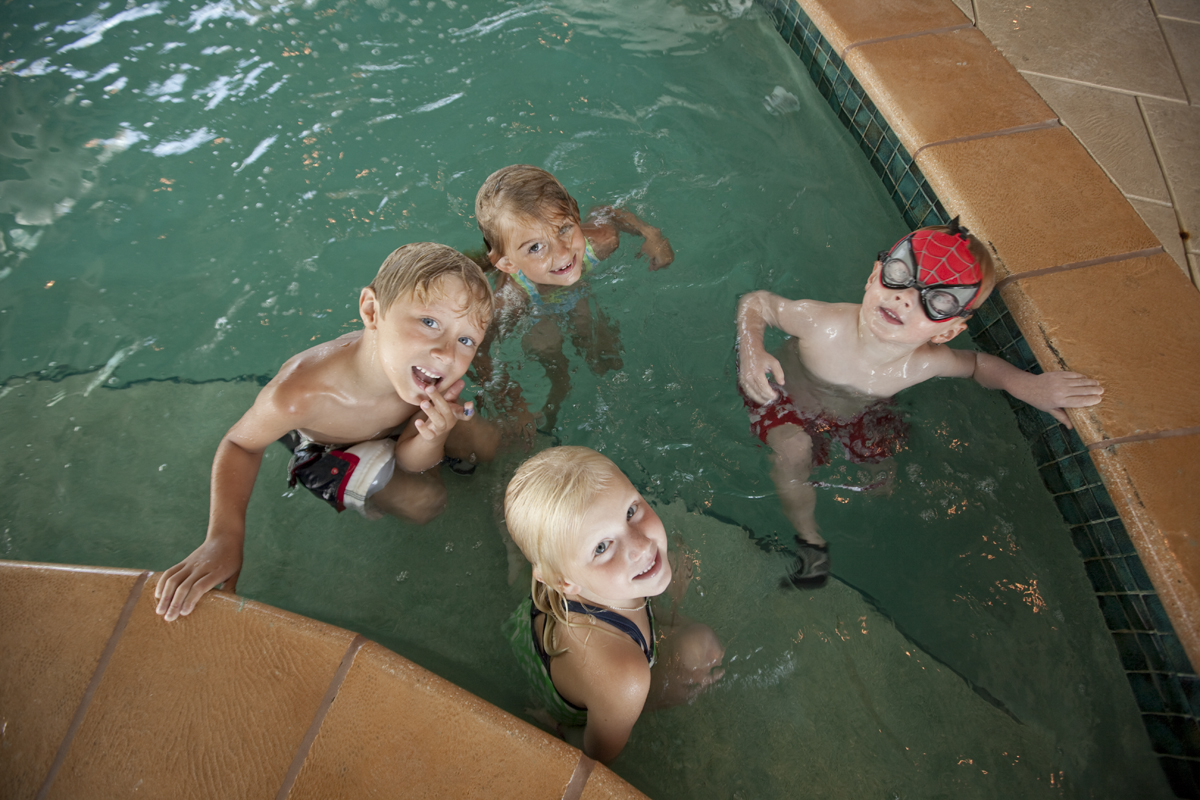 kids in indoor pool at turquoise place