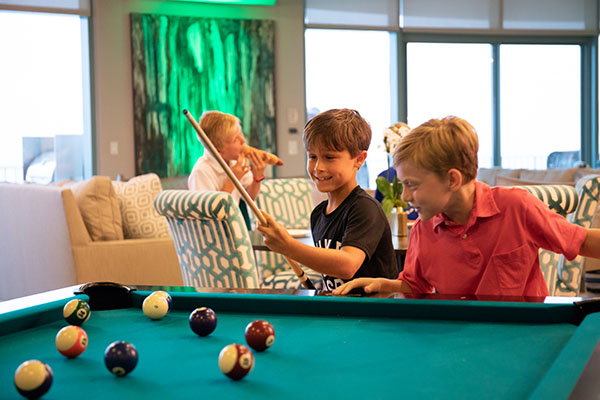 Spectrum Club Lounge - Pool Table - Turquoise Place Orange Beach